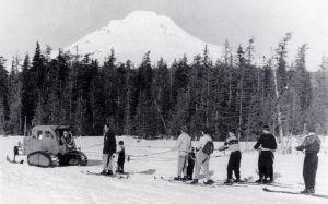 Tucker-snowcat-pulling-skiers-at-Multorpor-Mt-Hood